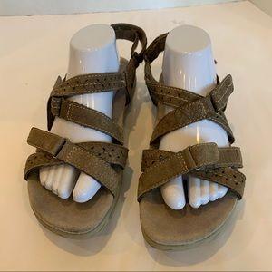 EARTH ORGINS Sammie sandal in 11M comfort walking